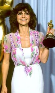 Sally Field holding Oscar